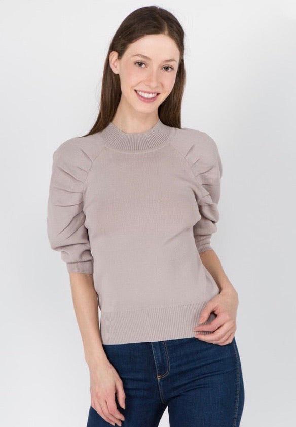 Pull Sleeve Knit Top