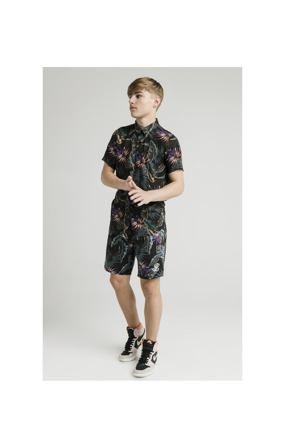 Load image into Gallery viewer, Illusive London Resort Shirt - Palm Print (3)