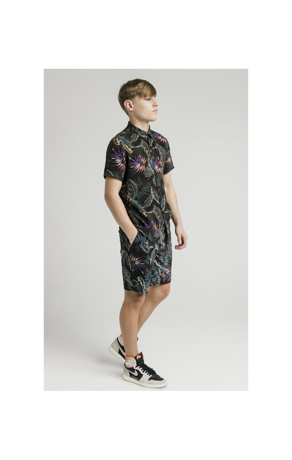 Load image into Gallery viewer, Illusive London Resort Shirt - Palm Print (8)