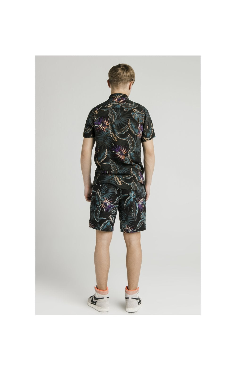 Load image into Gallery viewer, Illusive London Resort Shirt - Palm Print (9)