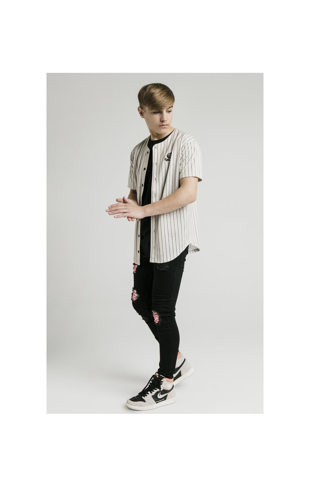 Illusive London Baseball Jersey - Ecru (5)