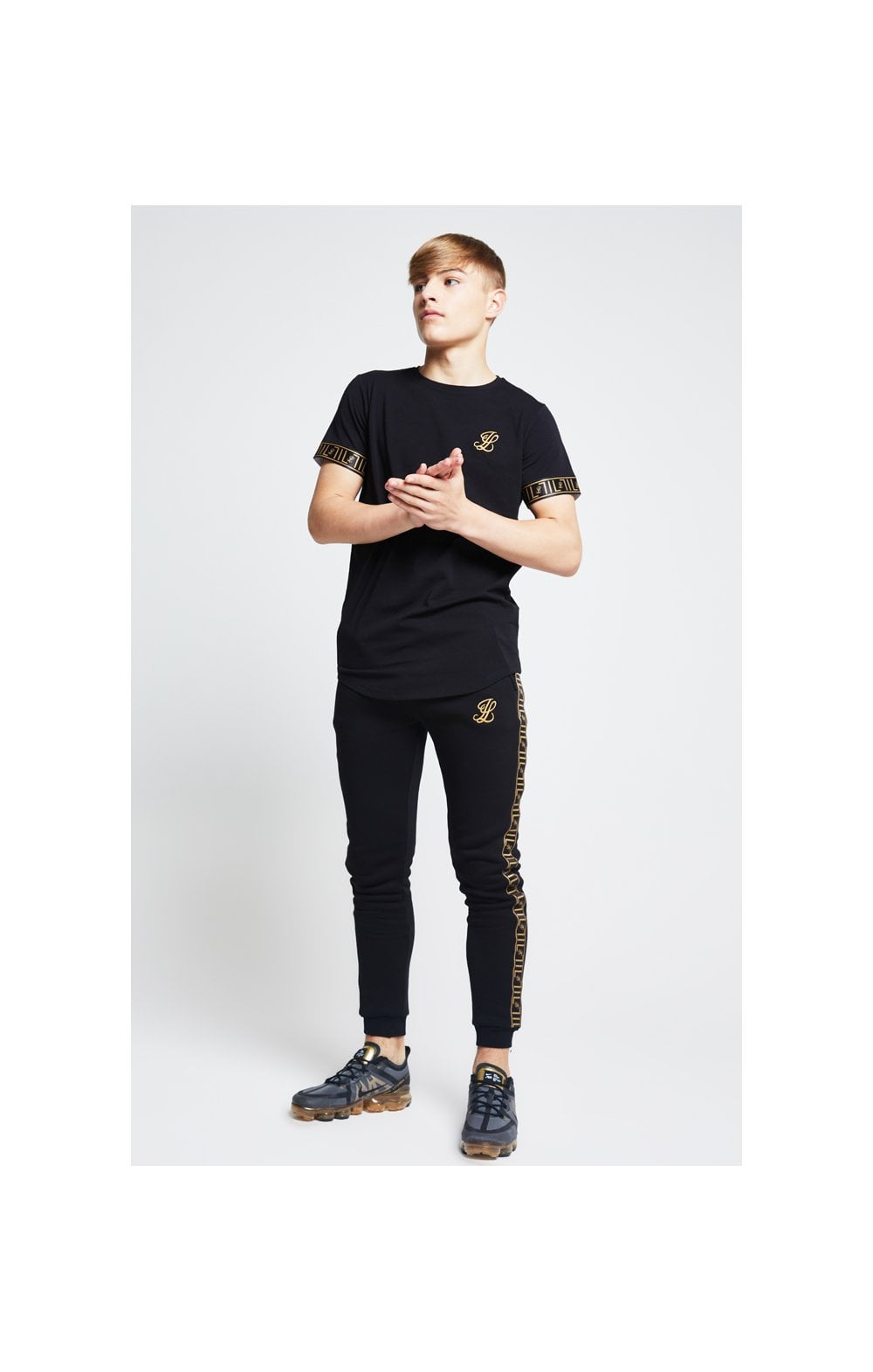 Load image into Gallery viewer, Illusive London Tech Tee - Black (2)