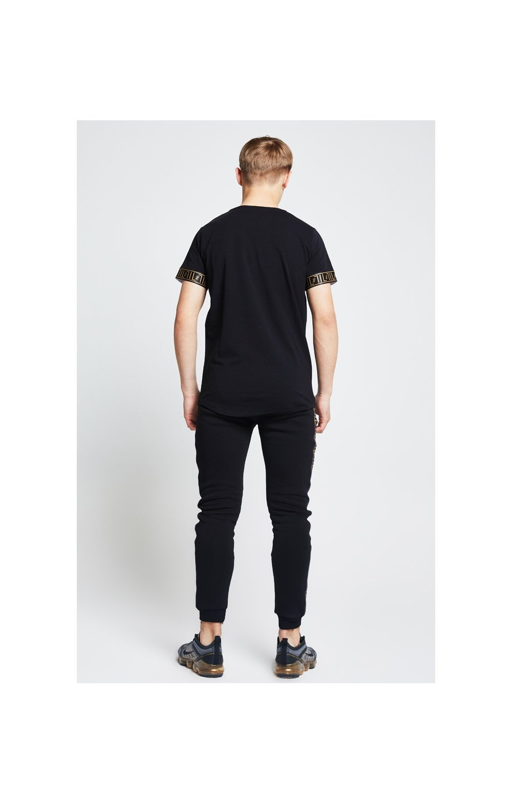 Load image into Gallery viewer, Illusive London Tech Tee - Black (4)