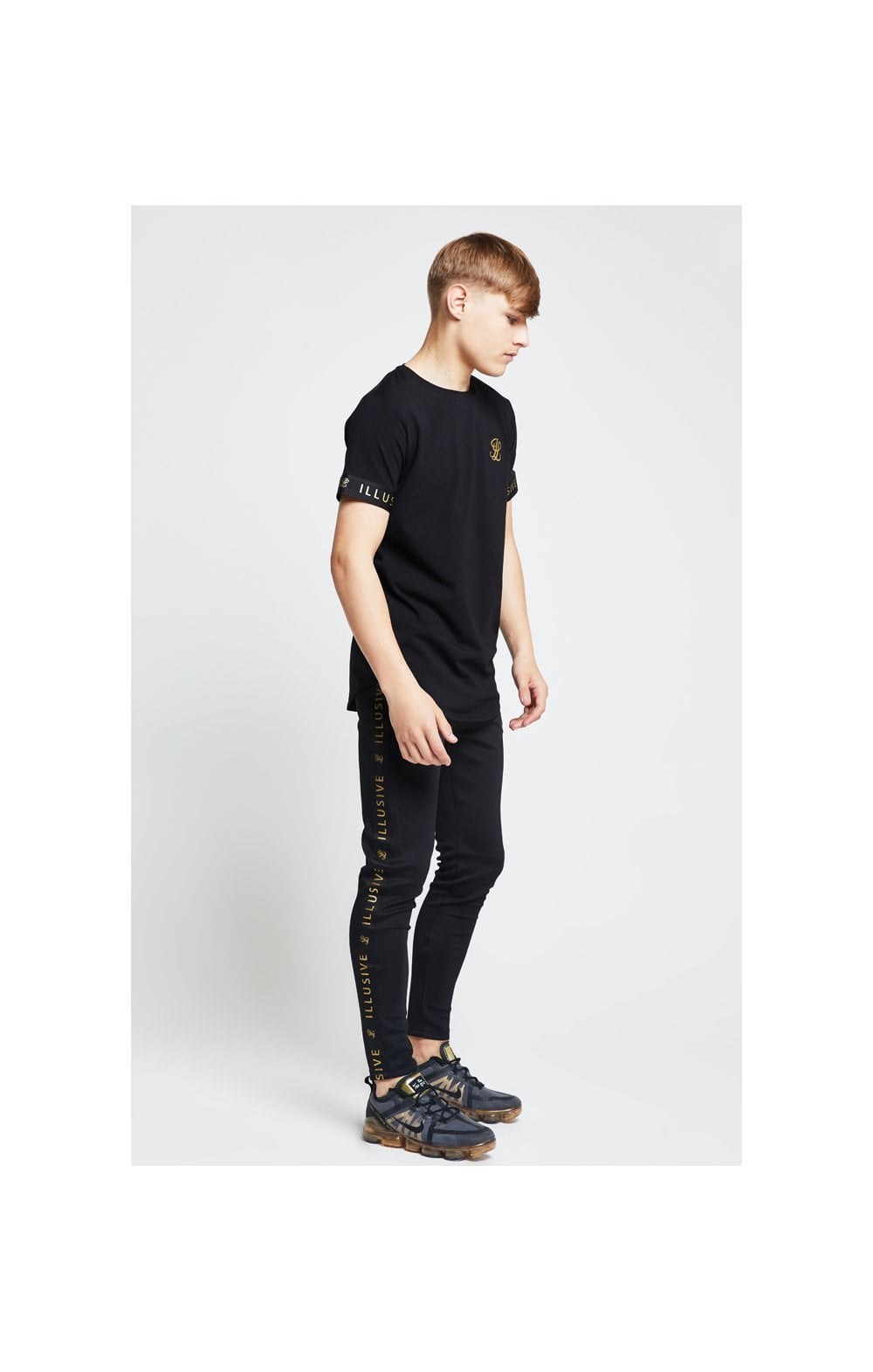 Illusive London Tech Tee - Black (3)