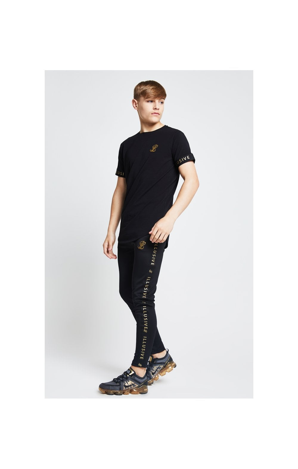 Illusive London Tech Tee - Black (4)