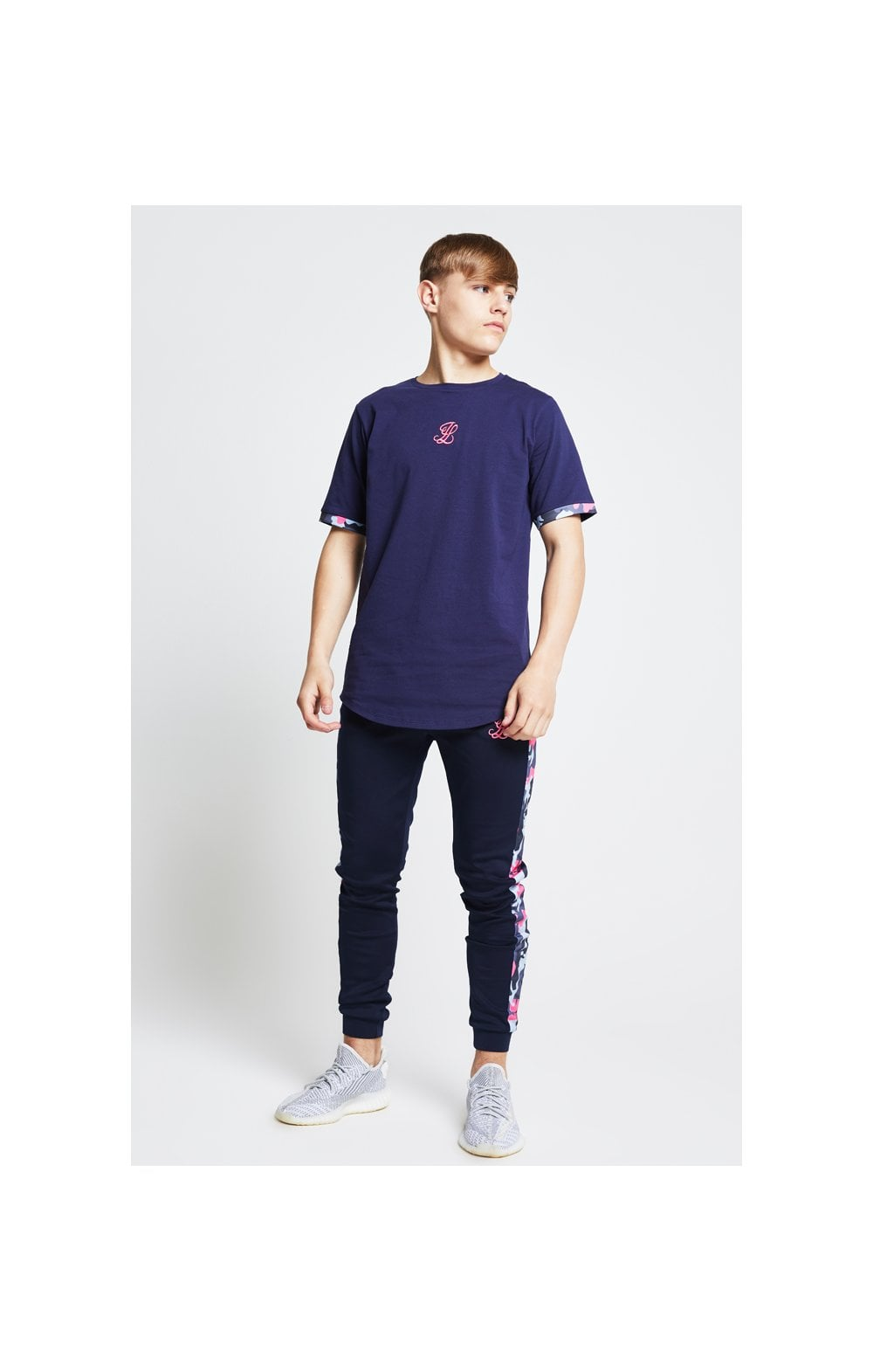 Load image into Gallery viewer, Illusive London Contrast Cuff Tee – Navy & Neon Pink Camo (3)