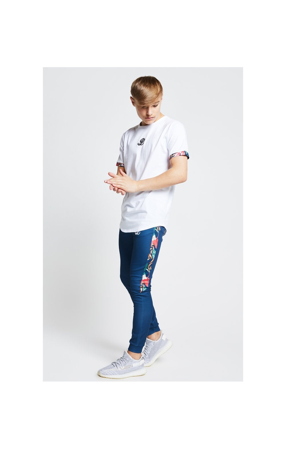Illusive London Contrast Cuff Tee – White & Tropical Leaf (2)