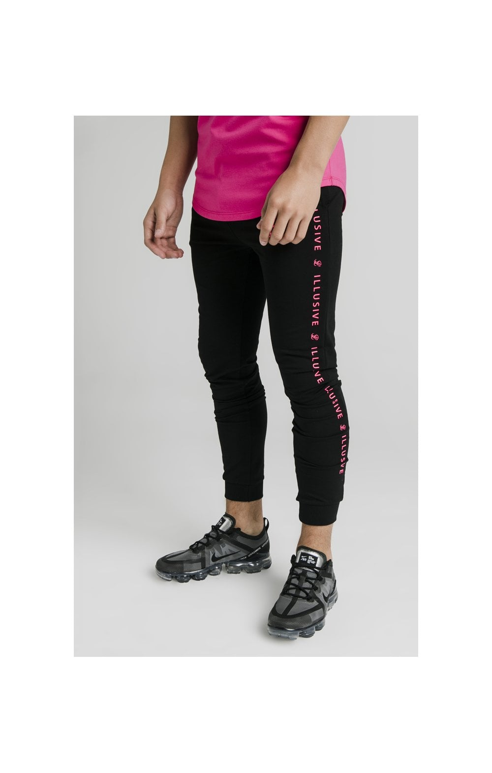 Load image into Gallery viewer, Illusive London Cuffed Joggers – Black & Pink