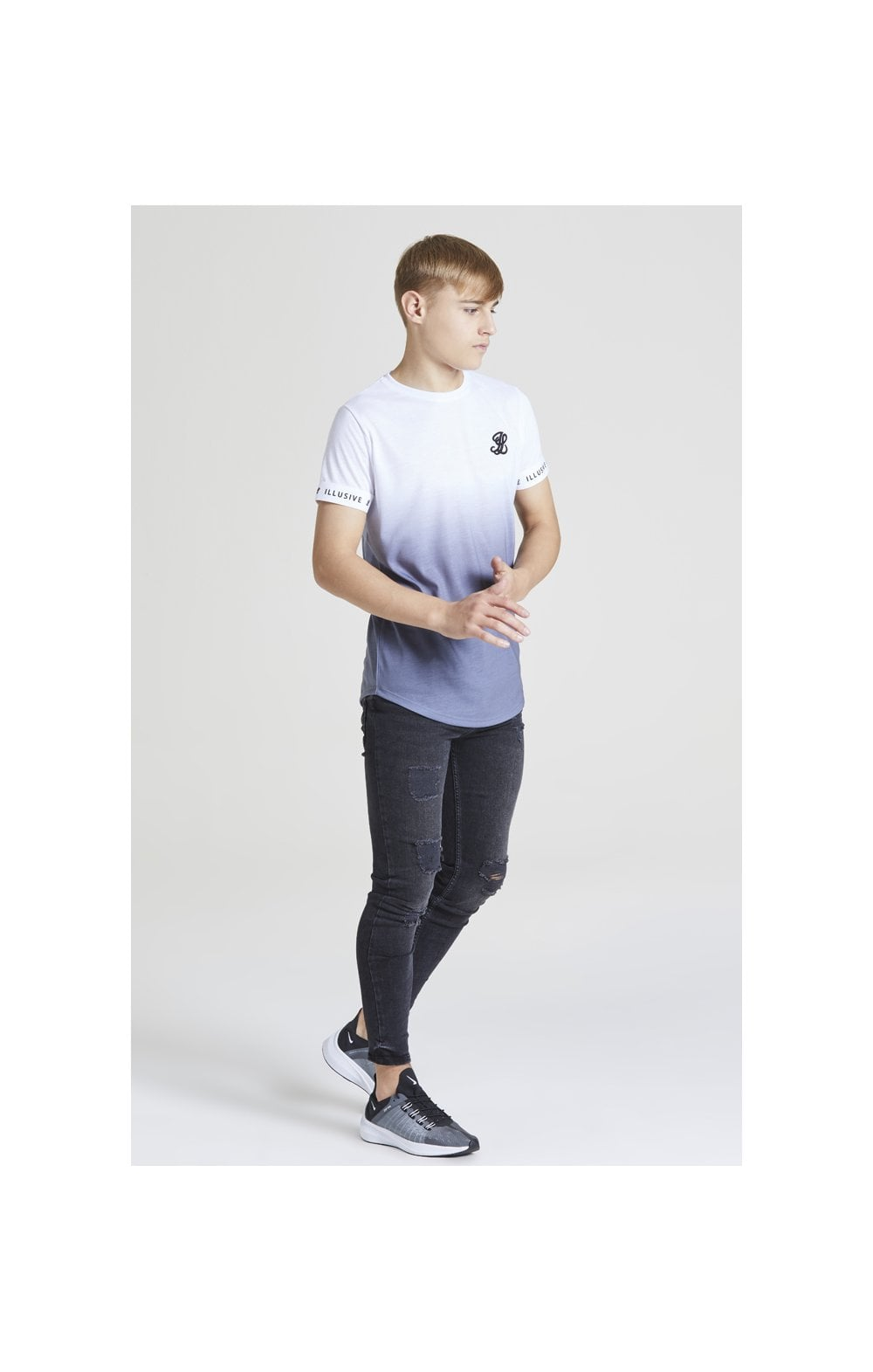 Load image into Gallery viewer, Illusive London Fade Tech Tee – White & Grey (4)
