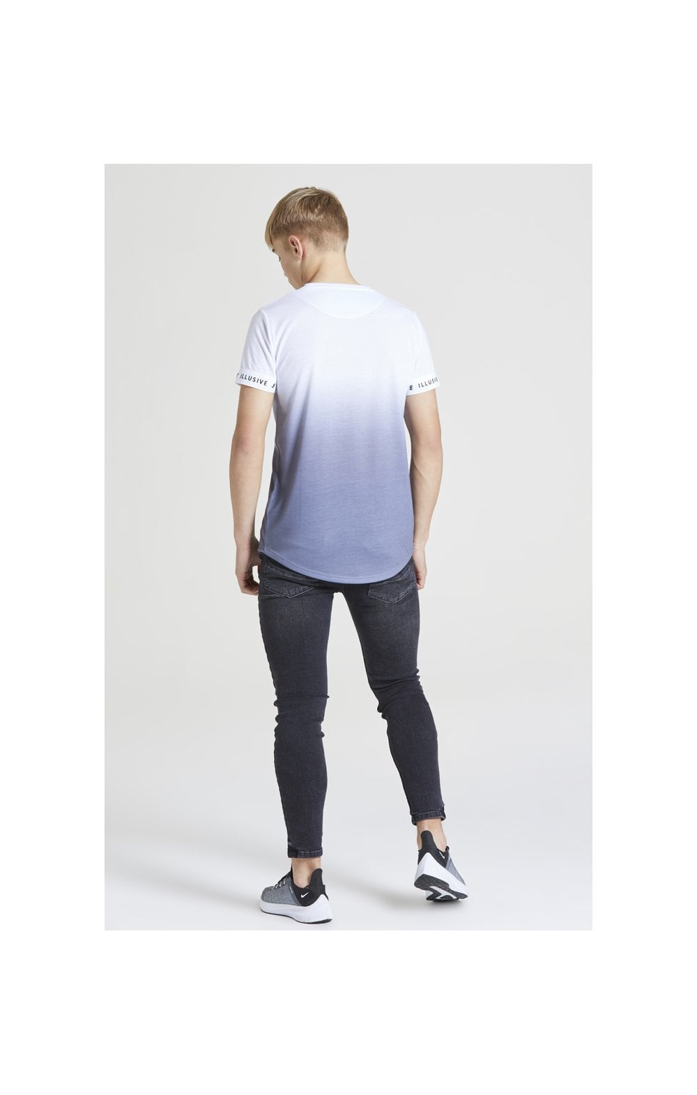 Load image into Gallery viewer, Illusive London Fade Tech Tee – White & Grey (5)