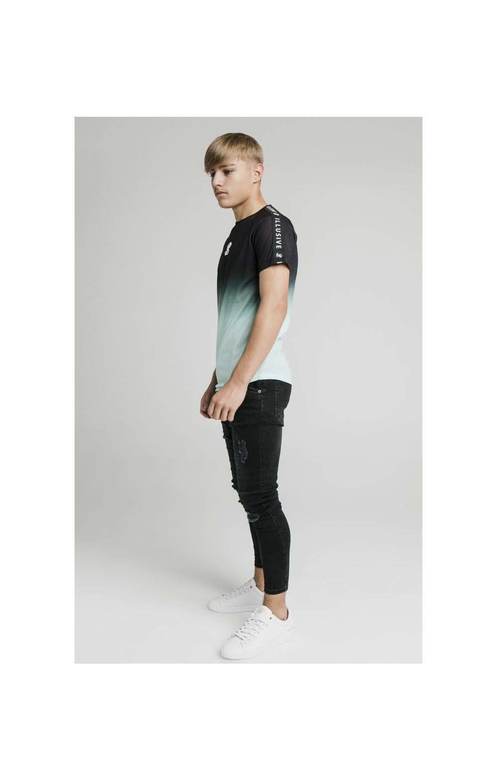 Load image into Gallery viewer, Illusive London Tape Fade Logo Tee - Black & Mint (5)