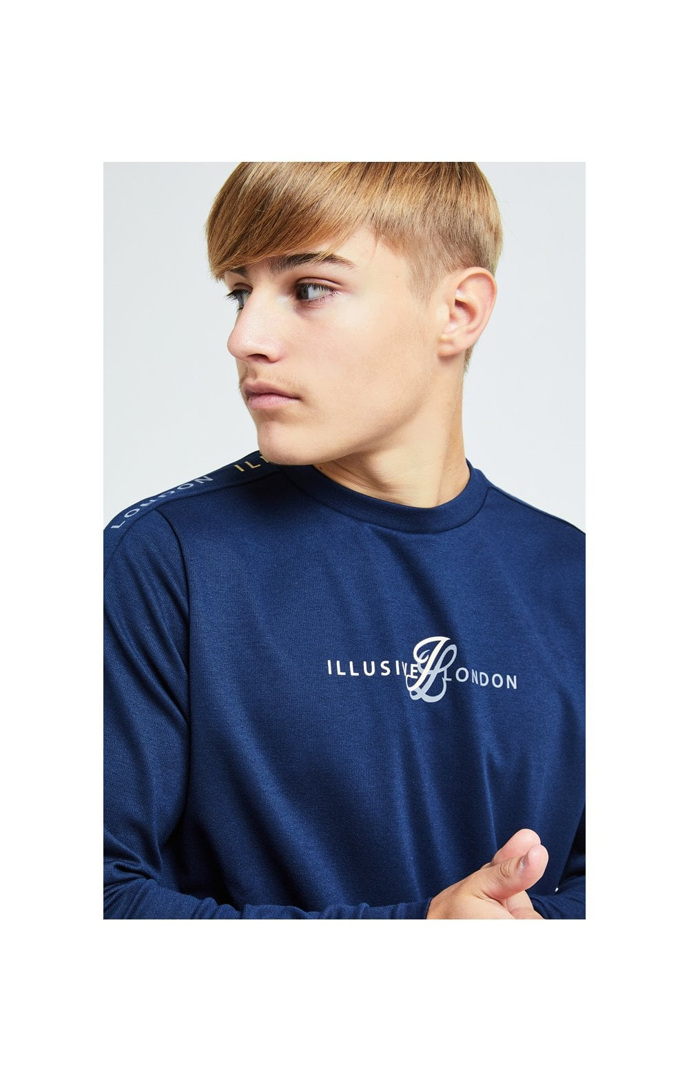 Load image into Gallery viewer, Illusive London Legacy Crew Sweater - Navy & Cream (1)
