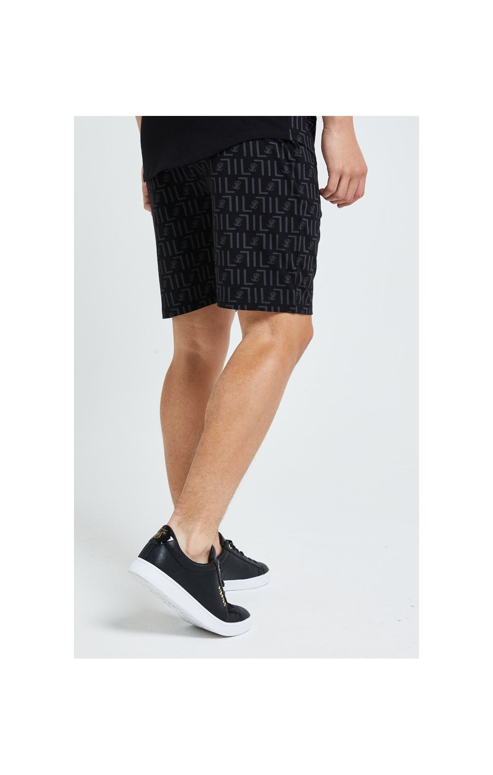 Load image into Gallery viewer, Illusive London Elite Shorts - Black (3)
