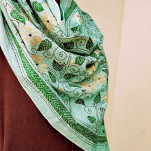 Load image into Gallery viewer, Green Floral Silk Cotton Kantha Stole STOLES AND SCARVES Arteastri