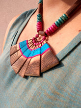 Load image into Gallery viewer, Handmade Blue Pink Bamboo Tribal Jewellery Set - Arteastri