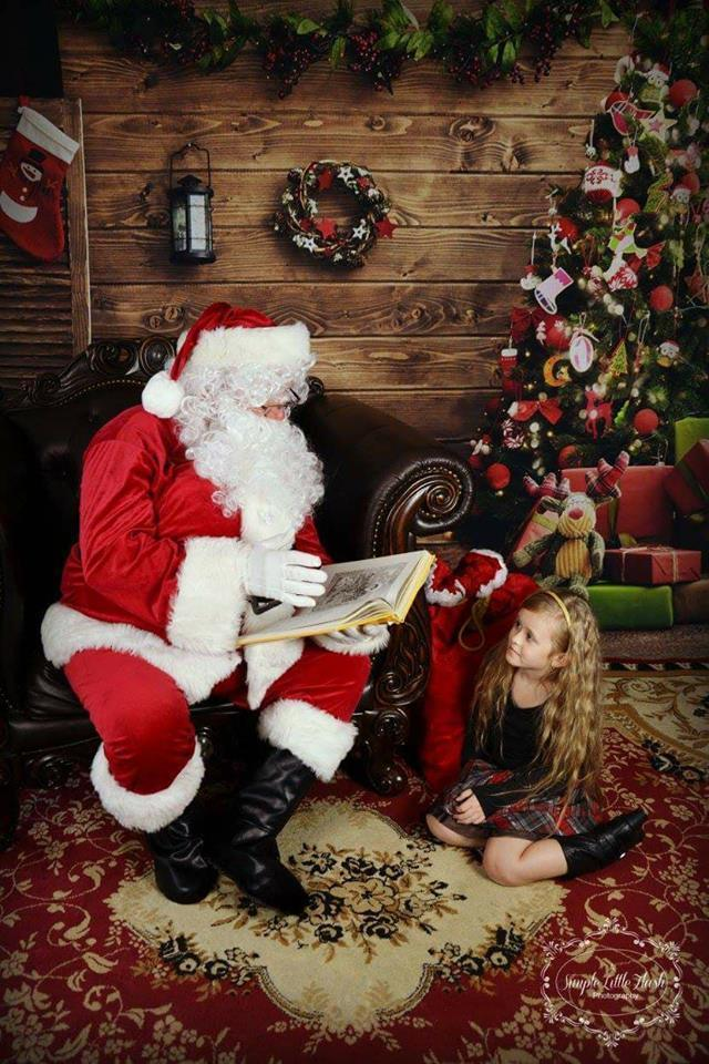 Load image into Gallery viewer, Kate Christmas Circle Flower Wood Backdrop Santa's Workshop