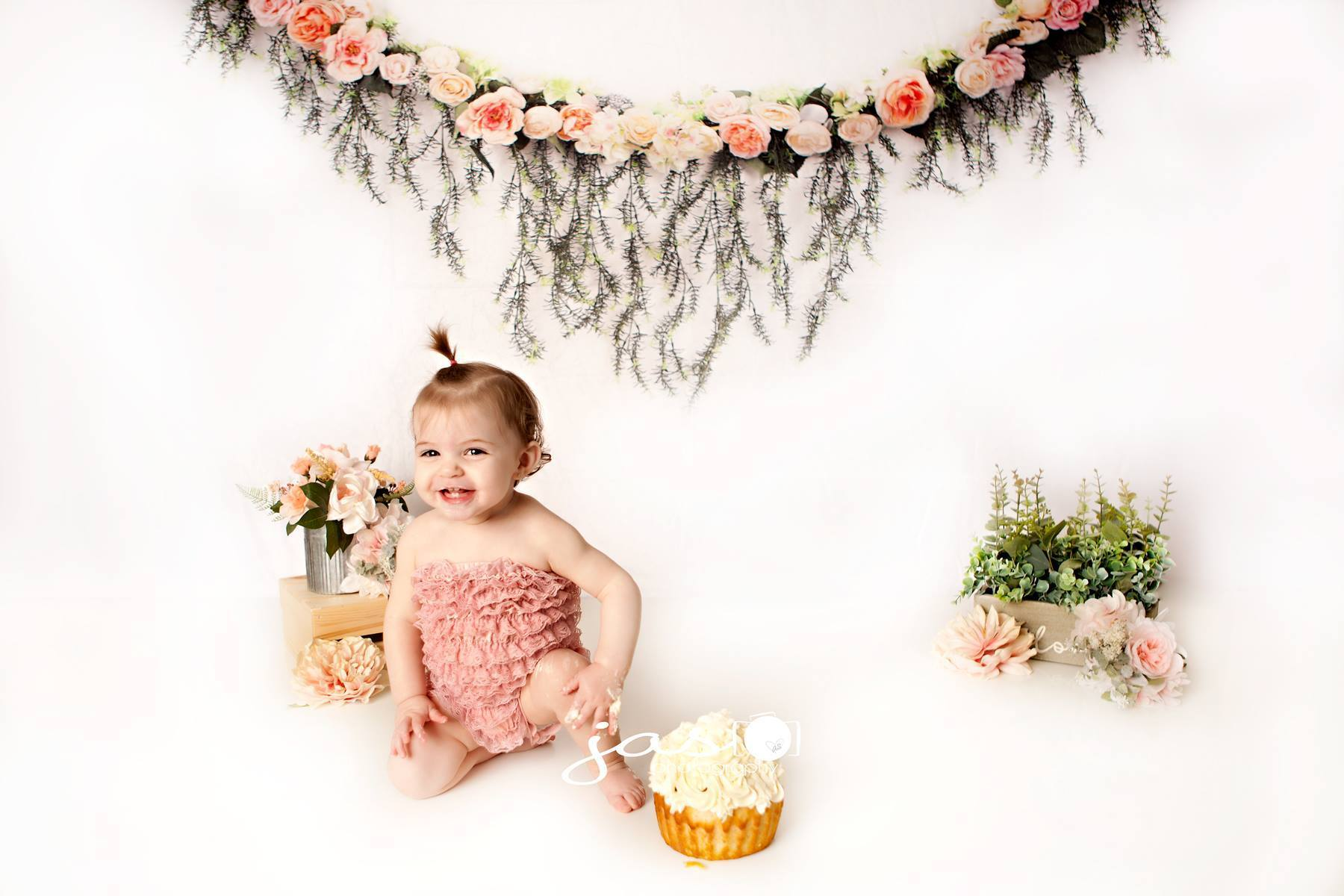 Load image into Gallery viewer, Kate Rose Swag Backdrop for Mother's Day