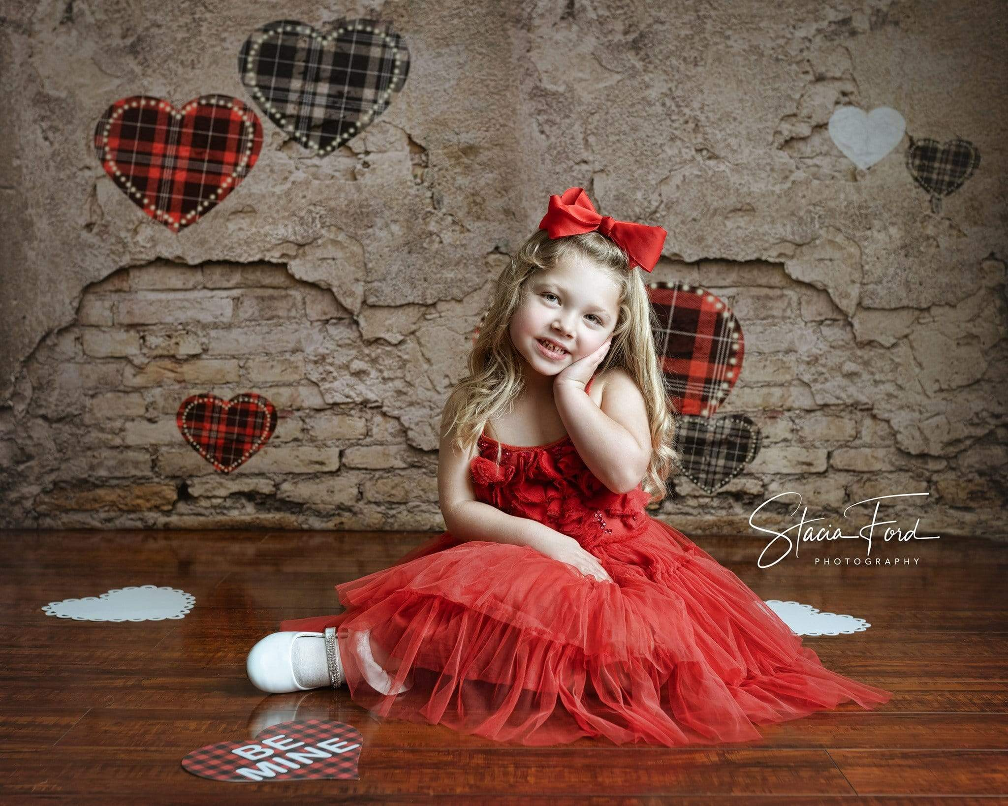 Load image into Gallery viewer, Kate Valentine's Day Love Heart Damaged Wall Backdrop for Photography Designed by JFCC