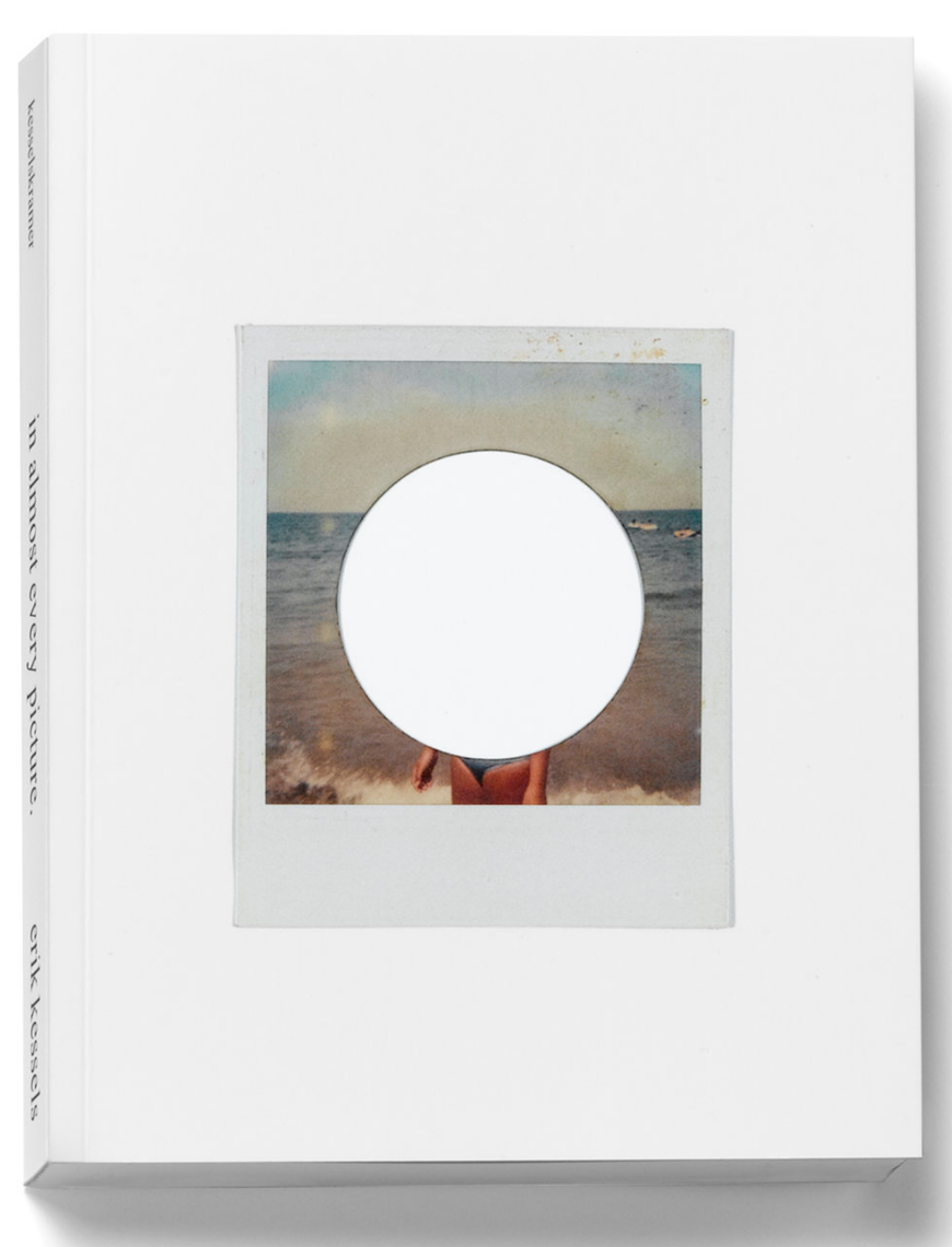 IN ALMOST EVERY PICTURE #14 (Sunbathers) (blanco) | Erik Kessels