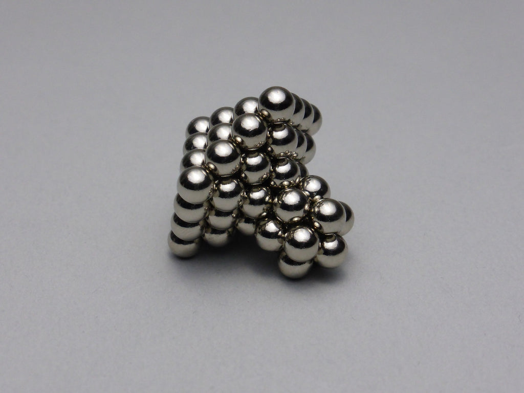 Nanodots Spinning Top - Side Angle