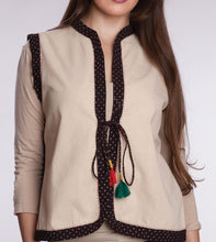 Load image into Gallery viewer, Embroidered Cotton Vest
