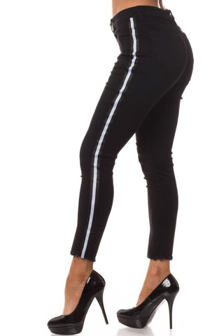 High Rise Skinny Jeans w/ White Highlight Out seam & Square