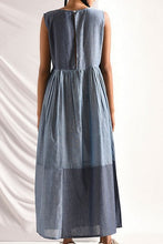 Load image into Gallery viewer, Chambray dress