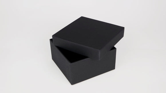 Square box S - matt black