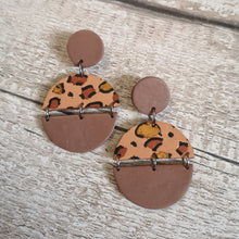 Load image into Gallery viewer, Large Leopard Print Drop Earrings