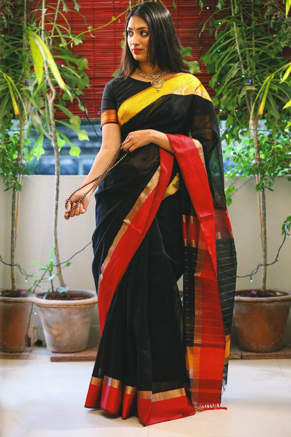 Maheshwari Silk Cotton Saree with Ganga Jamuna Border - Black