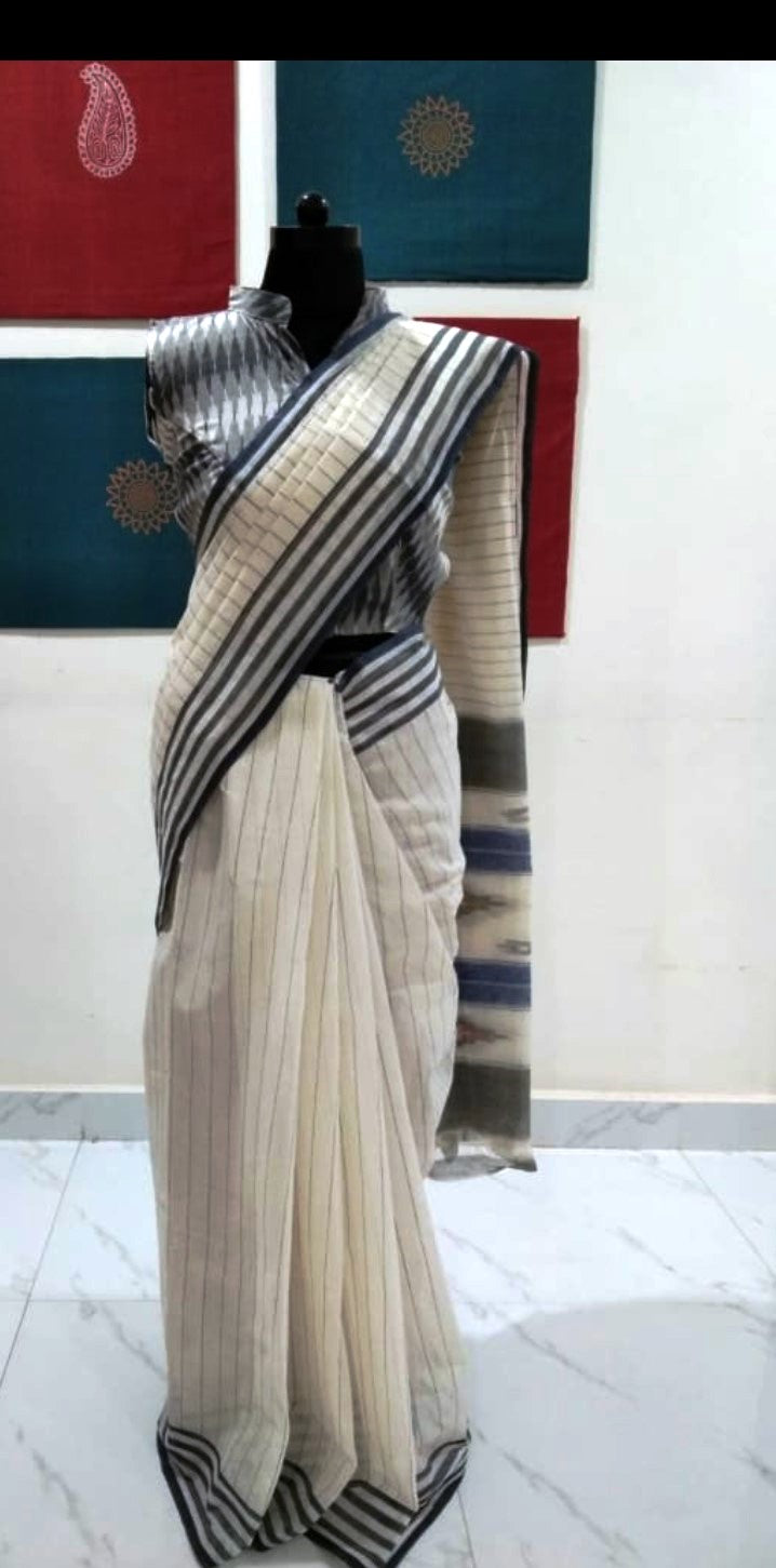 Siddipet Ikat Saree with Stripes - Offwhite & Navy Blue