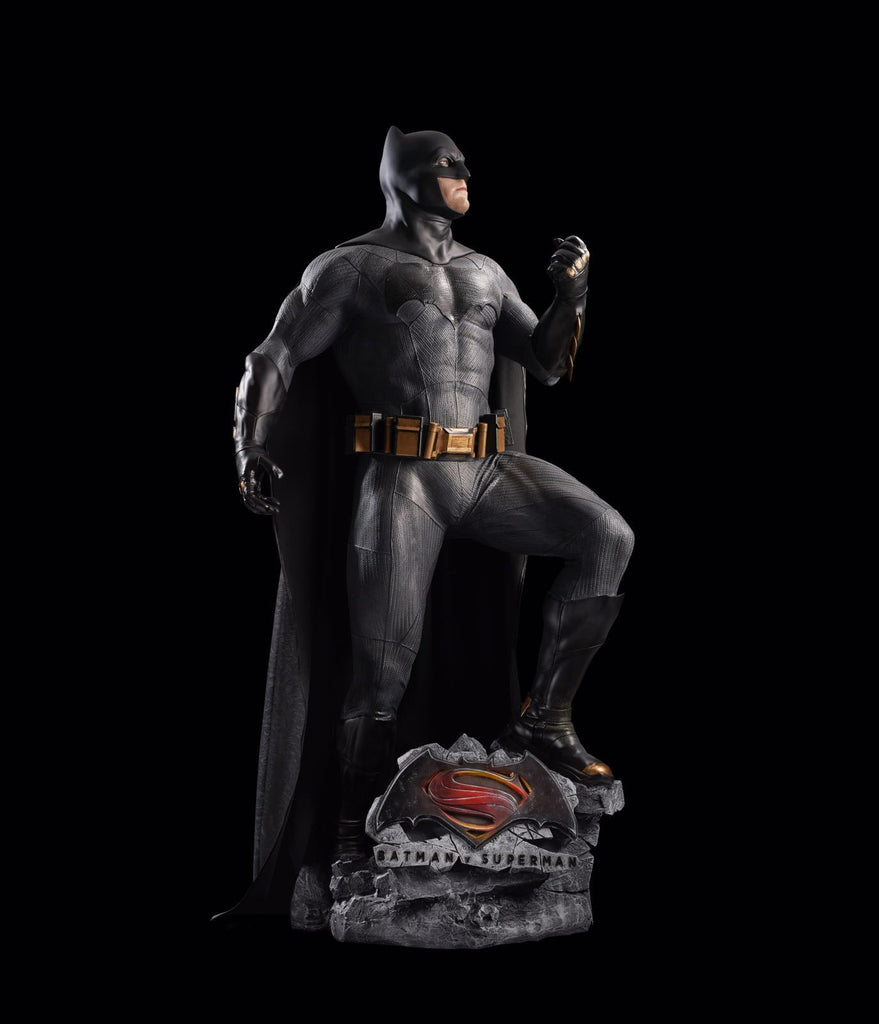 Batman v Superman - Dawn of Justice: BATMAN - Lifesize statue