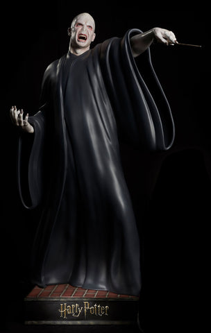 HARRY POTTER FRANCHISE: VOLDEMORT LIFE-SIZE STATUE
