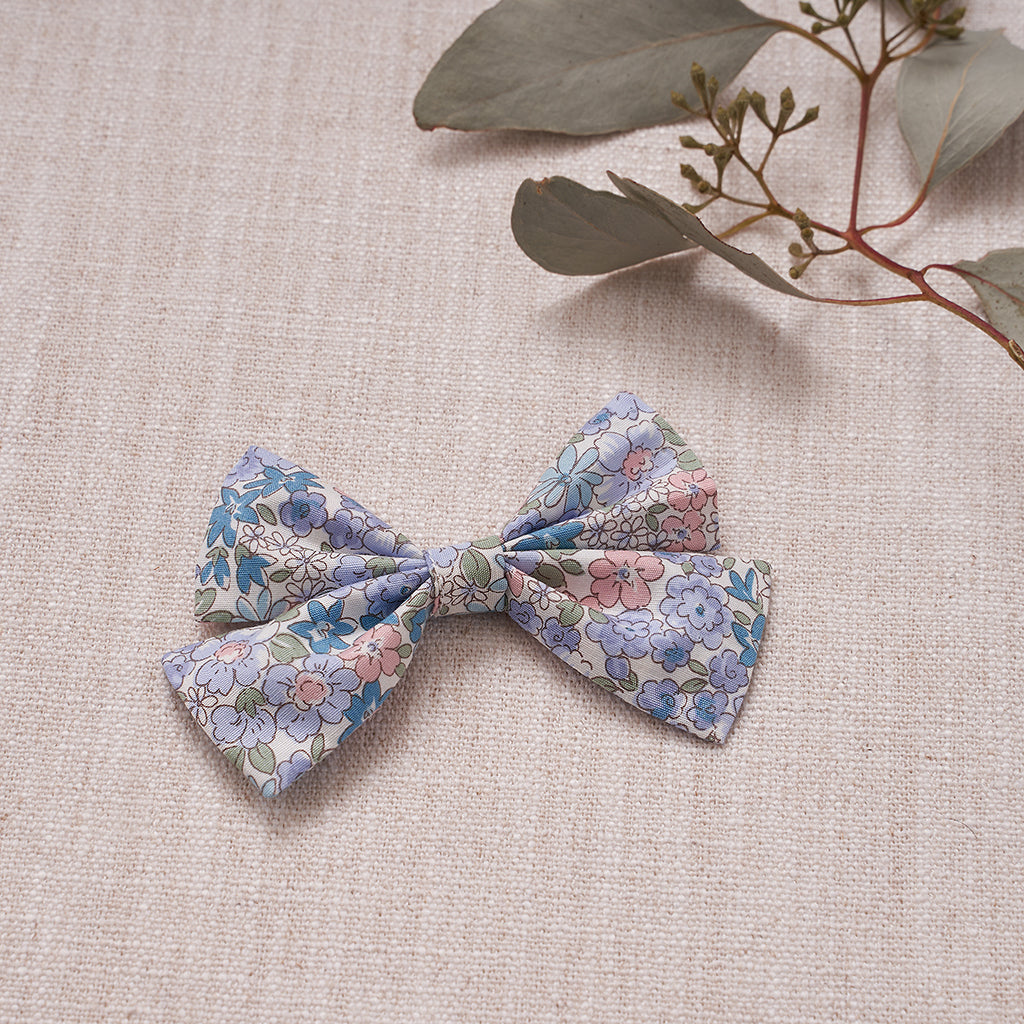 Criss-Cross Bow - Blue Bouquet