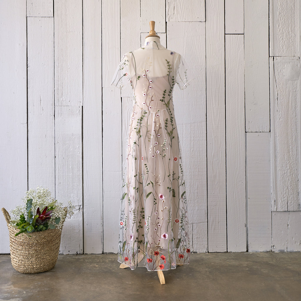 Garden Lace Maxi Dress (Women)