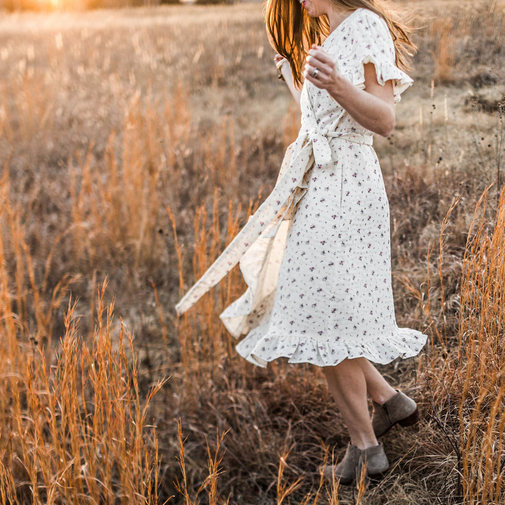 That's a Wrap! Dress (Women) - Cream Floral