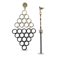 Load image into Gallery viewer, GEOMETRIC DESIGN EARRING WITH BLACK AND SILVER RINGS