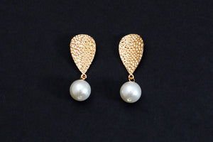 Matte Gold with Pear Drop Earrings