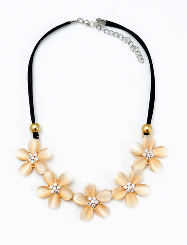 Dream Pastel Flower Necklace