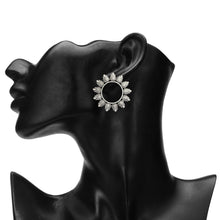 Load image into Gallery viewer, OXIDISED SILVER ROUND LEAFS STUD EARRING