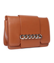 Load image into Gallery viewer, Chain Detail Clutch-Brown