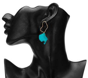 TURQUOISE PETAL SHAPED DANGLING EARRINGS
