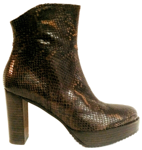 C-Doux, braune Plateau-Stiefelette in Snakeprint