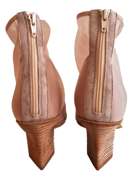 Strategia, Stretch-Peeptoe-Stiefelette in Nude