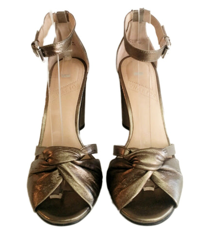 What For, bronzefarbene Sandalette aus Perlatoleder