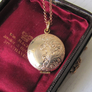 Antique Rose Gold Glass Front Engraved Locket