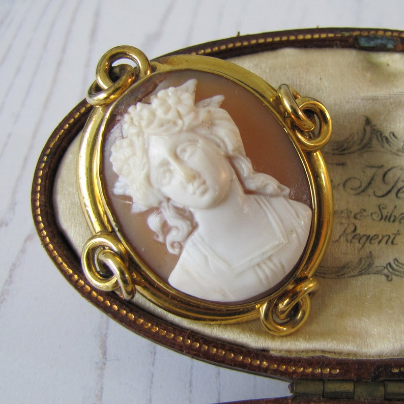 Antique Georgian Gold Cameo Brooch