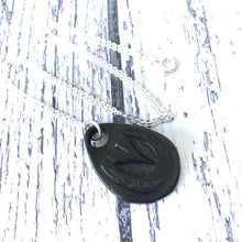 Load image into Gallery viewer, Victorian Whitby Jet Carved Horseshoe Pendant