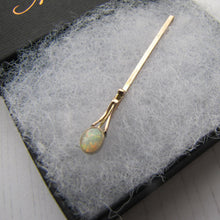 Laden Sie das Bild in den Galerie-Viewer, Antique 9ct Rose Gold & Opal Stock Pin - MercyMadge