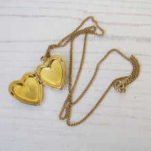 Load image into Gallery viewer, Vintage 10ct Rolled Gold Heart Locket & Chain